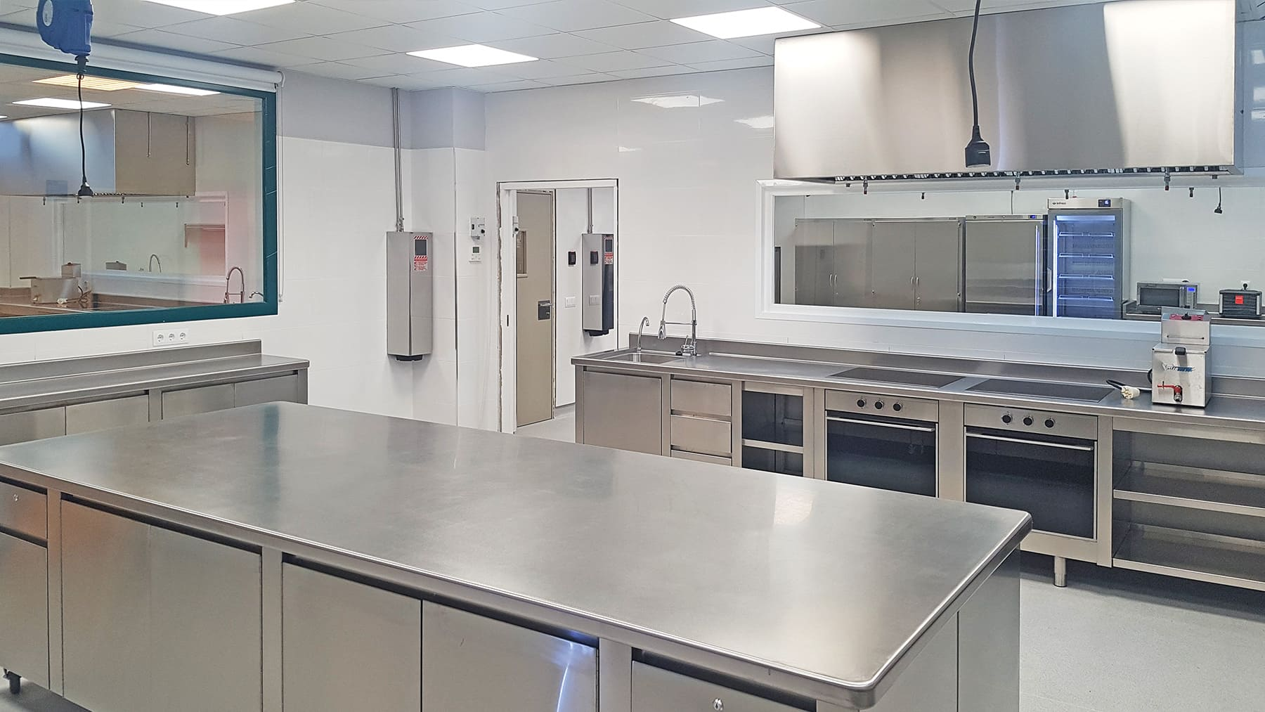 Cocina Industrial y Office Universidad Europea de Madrid - SERHS Projects